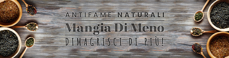 ingredienti naturali in ciotole e cucchiai di legno sono ingredienti naturali base dei prodotti antifame