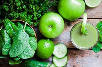 foglie verdure frutta frullato polvere tutto verde