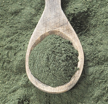 alga spirulina polvere cosa serve benefici e grafica